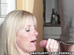 Amateur mommy worships to fuck