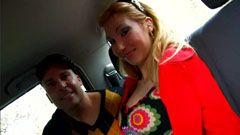 Az autóban megkúrt szőke