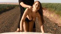аматьорски секс в царевичната нива