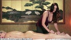 Съпругата и масажистка