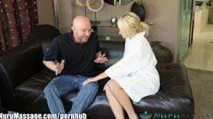 Nourou massage avec deux queues