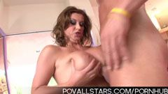 Сара, за големи гърди порно звезда