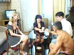 Famille strip poker