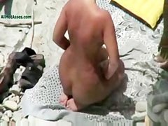 Egy idegen pasival a strandon