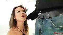 Francesca, egy fehér dákó és a fekete gumibot