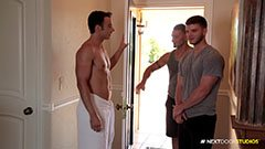 Gay massage in threesome