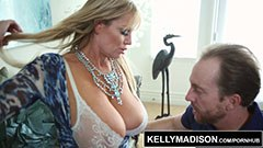 Kelly Madison älskar hårda sex