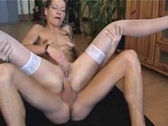 A német feleség imádja a kemény baszást