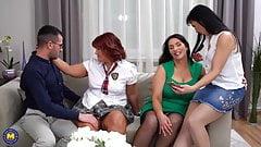 Трите зрели дами и късметлия