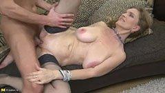 Den gamla kvinnan älskar penis