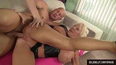 Den blonde bestemoren trenger en stor kuk