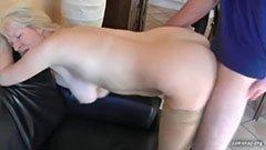Den anal blonde og hennes nabo
