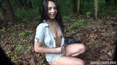 Den tjeckiska liftaren knullar i skogen