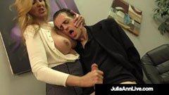 Den blonda sekreteraren förför sin klient