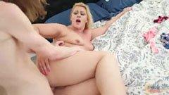 Den knubbiga mamman och hennes son