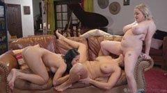 Den knubbiga kvinnan och hennes flickvänner
