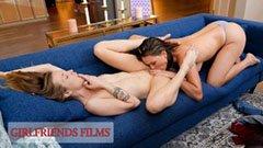 Karla és Krissy, a két dögös leszbika